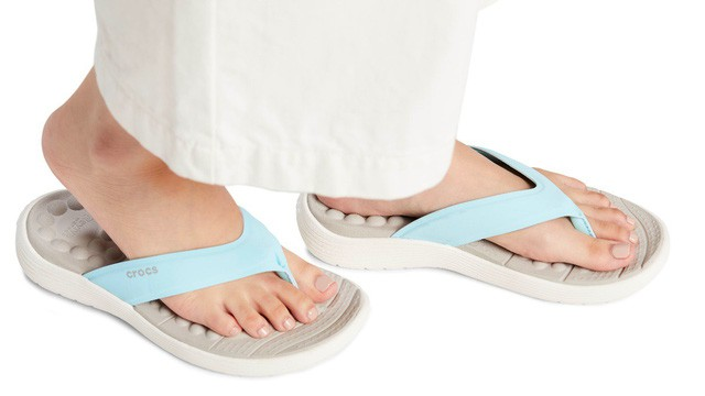 Không phải item thần thánh cao siêu, bộ sưu tập mới của Crocs chính là thứ bạn nhất định phải sắm ngay cho mùa hè - Ảnh 6.