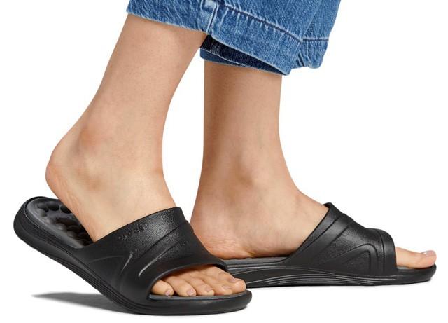 Không phải item thần thánh cao siêu, bộ sưu tập mới của Crocs chính là thứ bạn nhất định phải sắm ngay cho mùa hè - Ảnh 7.