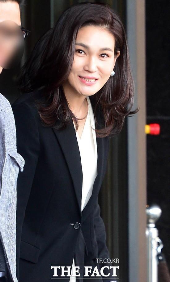 Tình yêu sét đánh của ái nữ Samsung và cậu út tờ báo danh tiếng Hàn Quốc mở ra cuộc hôn nhân viên mãn đến khó tin gần 2 thập kỷ - Ảnh 2.