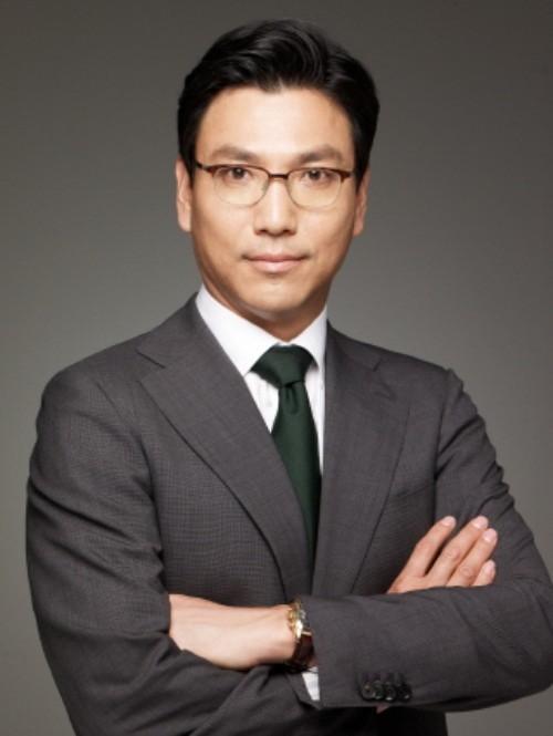 Tình yêu sét đánh của ái nữ Samsung và cậu út tờ báo danh tiếng Hàn Quốc mở ra cuộc hôn nhân viên mãn đến khó tin gần 2 thập kỷ - Ảnh 3.