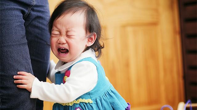 Hãy sử dụng sự im lặng như một chiến thuật thay vì la hét giận dữ khi trẻ làm sai điều gì đó - Ảnh 1.