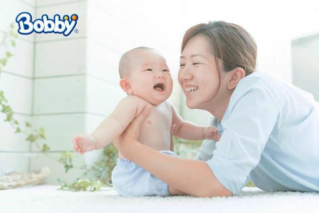 Bí quyết giảm hăm cho bé với Tã dán Bobby – Rãnh thấm kim cương mới - Ảnh 4.