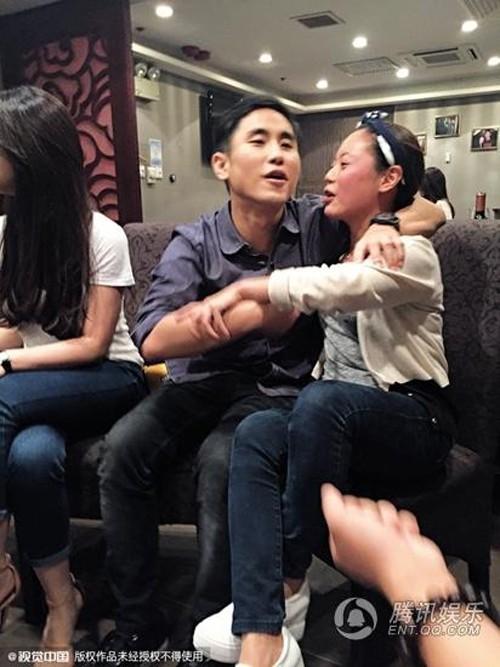 Thiếu gia khét tiếng Hong Kong: Cặp minh tinh hơn 11 tuổi, khiến các đại gia phong lưu khác nể phục - Ảnh 9.