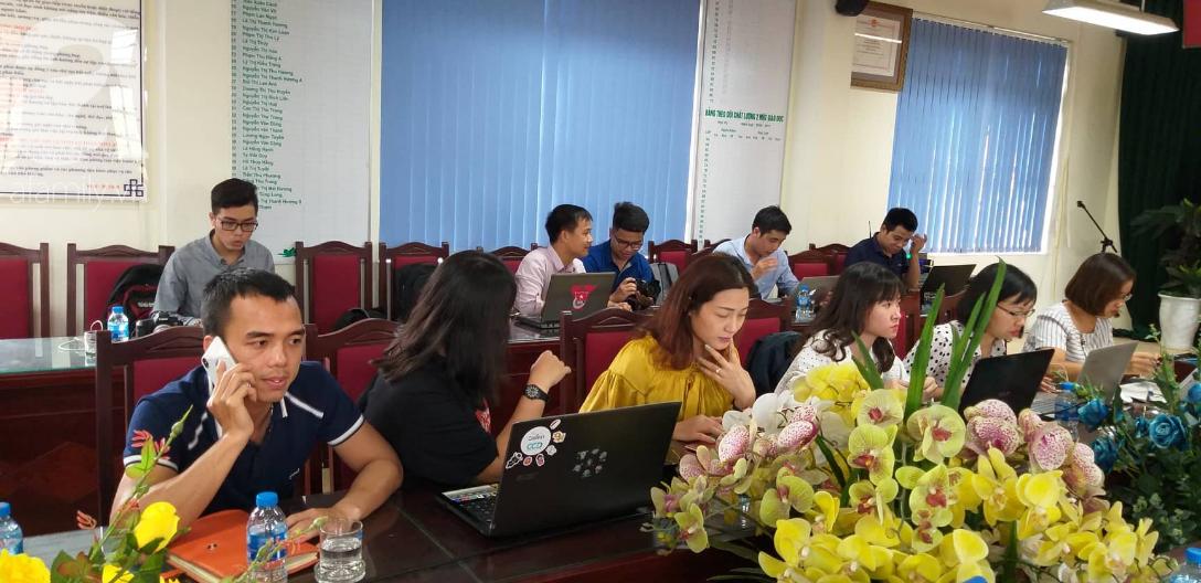 Vụ thầy dạy Toán nghi dâm ô học sinh nam ở Hà Nội: Tạm đình chỉ 3 ngày, công an cách ly những người liên quan - Ảnh 1.
