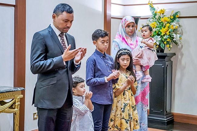 Điều ít biết về người nắm giữ trái tim Thái tử giàu có bậc nhất châu Á: 17 tuổi đã kết hôn, sinh 4 con vẫn được chồng yêu chiều hết mực - Ảnh 8.