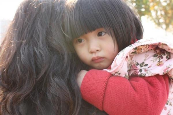 Không cho con ngủ cùng để tập tính độc lập, mẹ nhận lấy cái kết đau lòng và lời khuyên của chuyên gia khiến phụ huynh đồng tình - Ảnh 3.