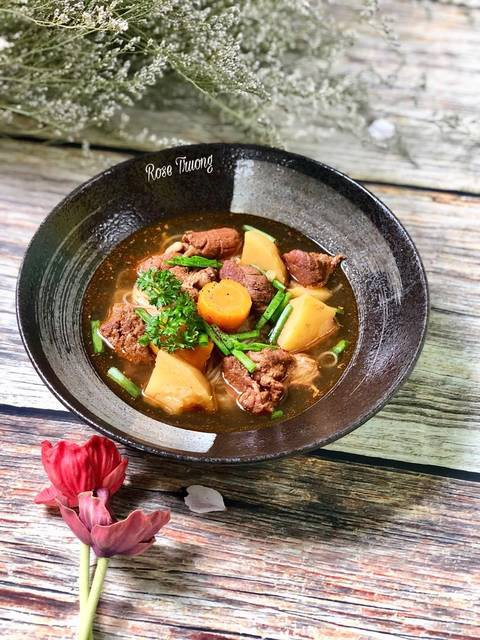 Người Nha Trang có cách nấu phở bò lạ và rất ngon, thử một lần bạn sẽ thích ngay! - Ảnh 4.