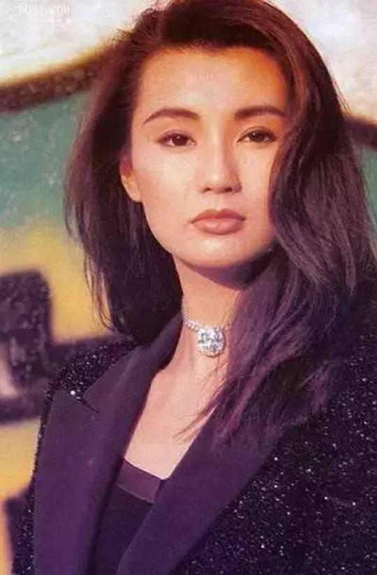 Ở tuổi 54, Trương Mạn Ngọc xuống sắc hơn nhiều so với tình địch Lưu Gia Linh - Ảnh 1.