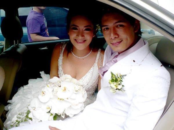 Bà xã diễn viên Bình Minh đăng ảnh kỉ niệm 11 năm ngày cưới, Trương Ngọc Ánh cũng xúc động gửi lời chúc mừng - Ảnh 1.