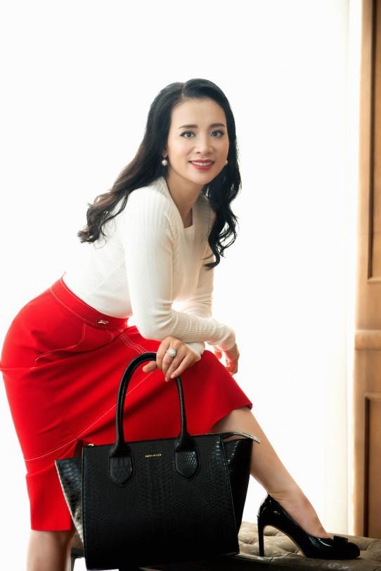 Gout thời trang đẳng cấp của những nữ doanh nhân tài sắc vẹn toàn - Ảnh 4.