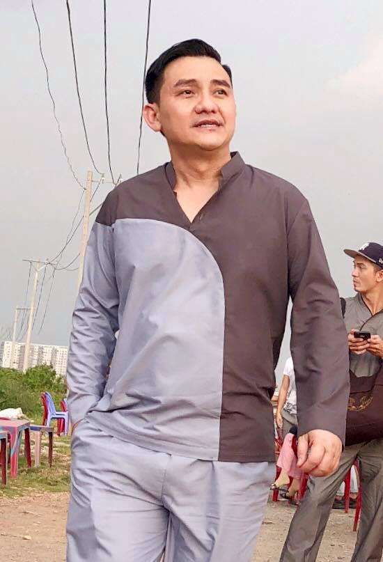 Nghệ sĩ hài Anh Vũ phát hiện ung thư khi mới 28 tuổi: Cẩn trọng với thói quen ăn uống dẫn đến ung thư đại tràng - Ảnh 1.
