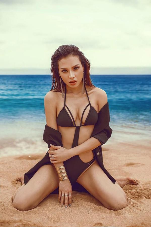 Đánh bại Ngọc Trinh, đây mới là nữ hoàng bikini mới của showbiz Việt - Ảnh 1.