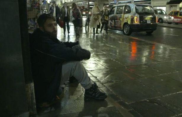 Chê người vô gia cư lười biếng, thiếu ý chí, triệu phú giả đi ăn xin trong 3 ngày rồi nhận về kết quả ê chề đáng bẽ mặt - Ảnh 2.