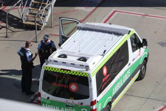 Bé 2 tháng tuổi tử vong trên máy bay AirAsia - Ảnh 4.