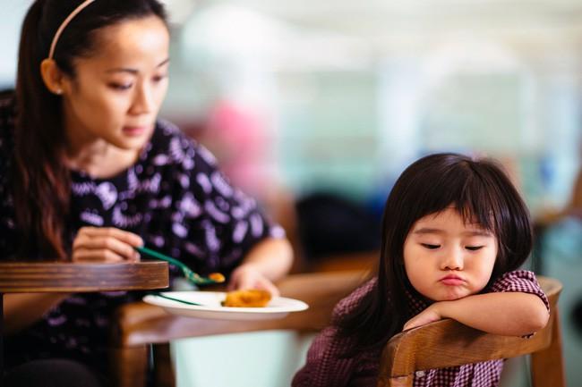 Muốn con nên người, mẹ chớ lơ là việc dạy con đức tính kiên nhẫn với 5 phương pháp hiệu quả này - Ảnh 1.