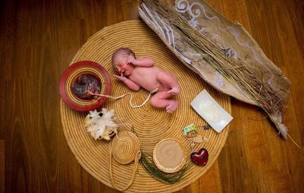 Sinh con theo trào lưu thuận tự nhiên - Phản khoa học, đánh cược sinh mạng của cả mẹ và con với tử thần - Ảnh 2.