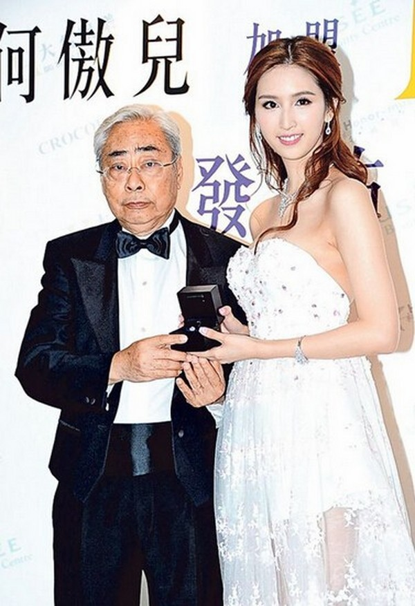 Gia tộc phong lưu nhất Hong Kong: Anh hẹn hò thiếu nữ đáng tuổi cháu, em chuyên săn minh tinh - Ảnh 13.