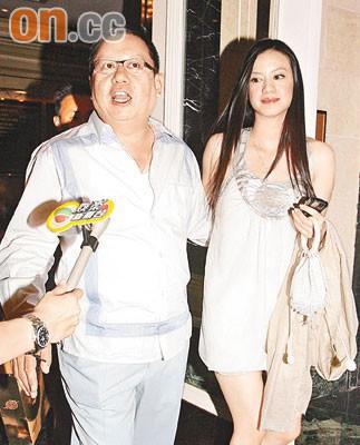 Gia tộc phong lưu nhất Hong Kong: Anh hẹn hò thiếu nữ đáng tuổi cháu, em chuyên săn minh tinh - Ảnh 6.