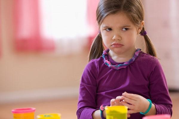5 bí kíp thần thánh giúp trẻ nghe lời ngay từ đầu mà cha mẹ không cần la hét khản cổ - Ảnh 1.
