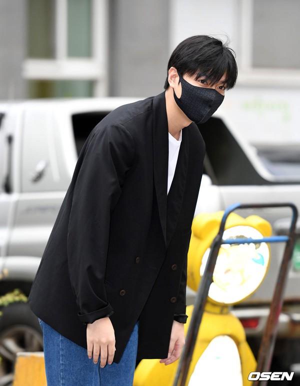 Xem lại Huyền thoại biển xanh của Lee Min Ho, chỉ muốn xách ba lô lên và đi ngay lập tức vì lý do này - Ảnh 9.