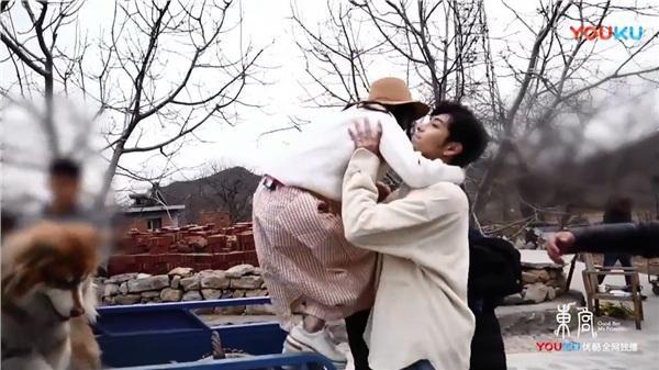 Fan sướng rơn vì Đông Cung đột ngột tung cảnh quay ngoại truyện, Trần Tinh Húc - Bành Tiểu Nhiễm tình bể bình  - Ảnh 5.