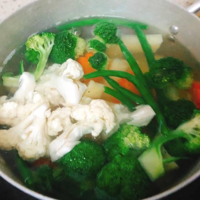 2 cách ăn rau củ luộc, cách nào cũng ngon mười phân vẹn mười - Ảnh 2.