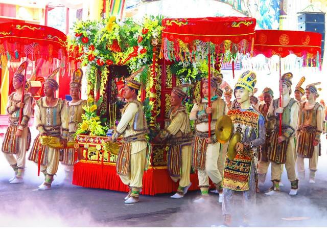 Mùng 10 tháng ba: Nhớ về nguồn cội với lễ hội giỗ Tổ Hùng Vương tại Suối Tiên - Ảnh 3.