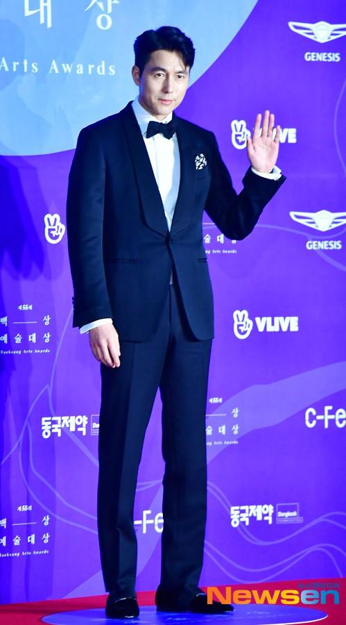 Thảm đỏ Baeksang 2019: Han Ji Min tái hợp bạn trai màn ảnh Hyun Bin, Nam Joo Hyuk - Jung Woo Sung - Ảnh 5.