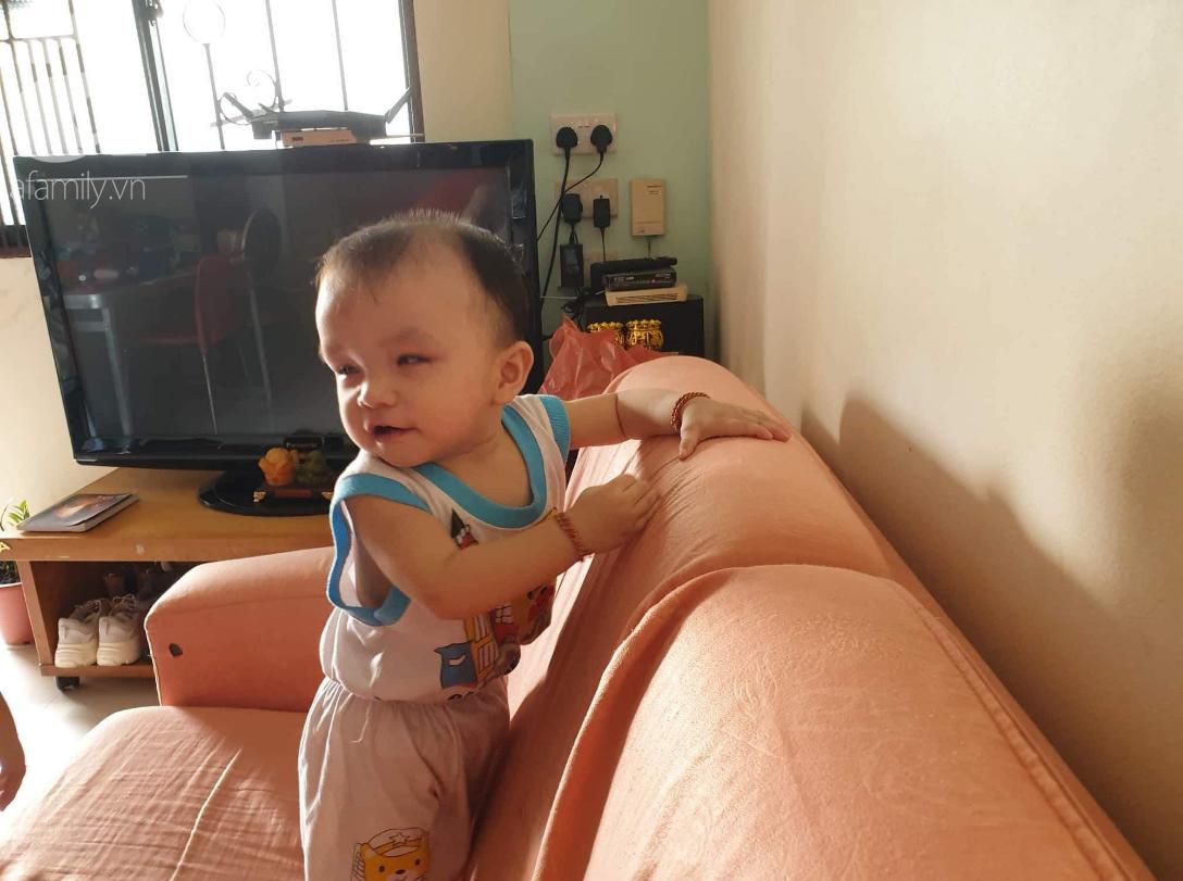 Hi vọng đến với bé trai 15 tháng tuổi bị mù bẩm sinh, mẹ trẻ cúi đầu, ôm con đi tìm ánh sáng - Ảnh 10.