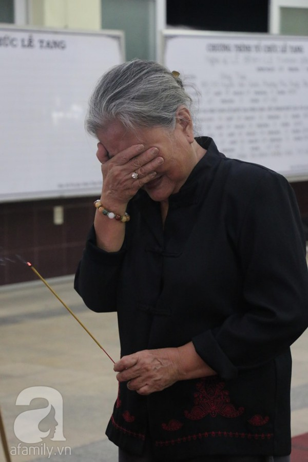 Nhìn nghệ sĩ Lê Bình vẫn đội chiếc mũ quen thuộc lúc nhập quan, nhiều người xúc động rơi nước mắt - Ảnh 30.