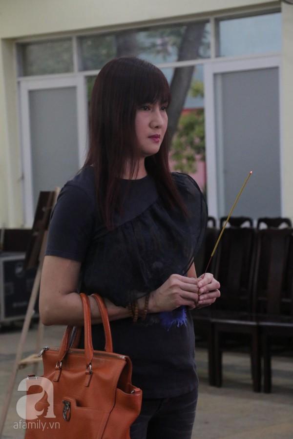 Nhìn nghệ sĩ Lê Bình vẫn đội chiếc mũ quen thuộc lúc nhập quan, nhiều người xúc động rơi nước mắt - Ảnh 21.