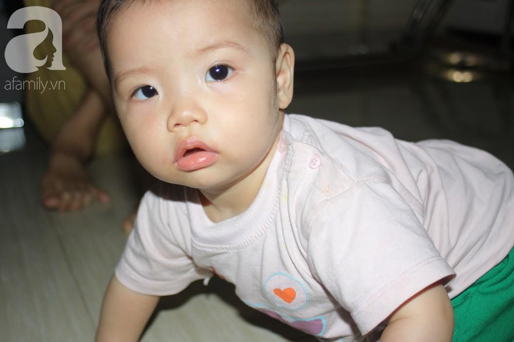 Xót cảnh bố mẹ trẻ tật nguyền đi làm thuê, gom góp tiền níu giữ mạng sống từng ngày cho con gái 9 tháng tuổi - Ảnh 7.