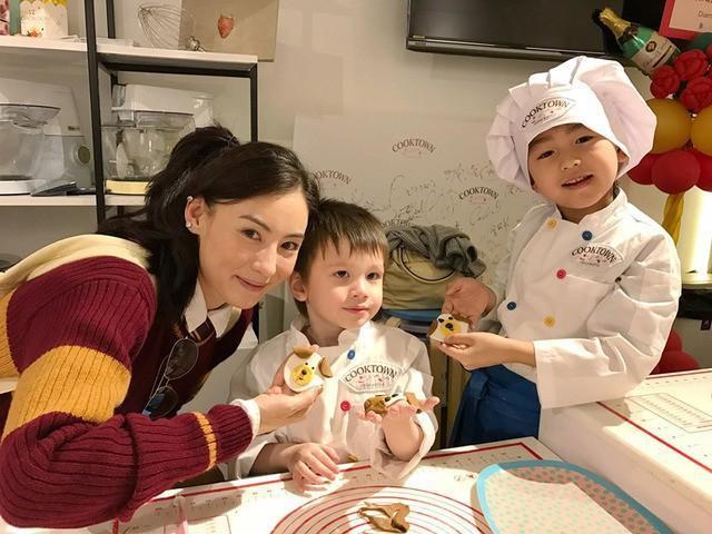 Trương Bá Chi: Bà mẹ nữ cường của Cbiz, 7 năm trời vẫn đau đáu nỗi đau không thể cho con một gia đình đủ đầy cha mẹ - Ảnh 7.