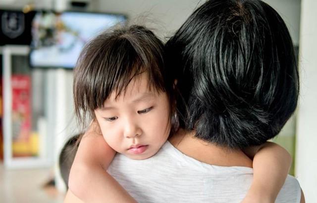 Chuyên gia nhi khoa cảnh báo: Trẻ nhỏ xuất hiện 4 biểu hiện này chứng tỏ lớn lên EQ thấp, sau 6 tuổi khó sửa đổi  - Ảnh 1.