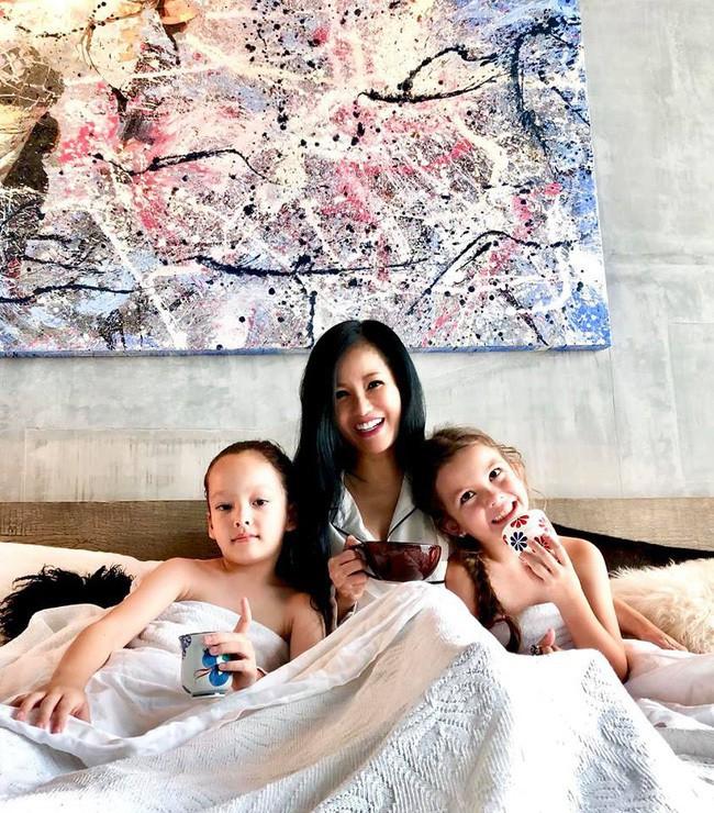 Chuyện về những bà mẹ đơn thân của showbiz :  Mẹ có thể không hoàn hảo nhưng mẹ chọn yêu con theo cách hoàn hảo nhất  - Ảnh 6.
