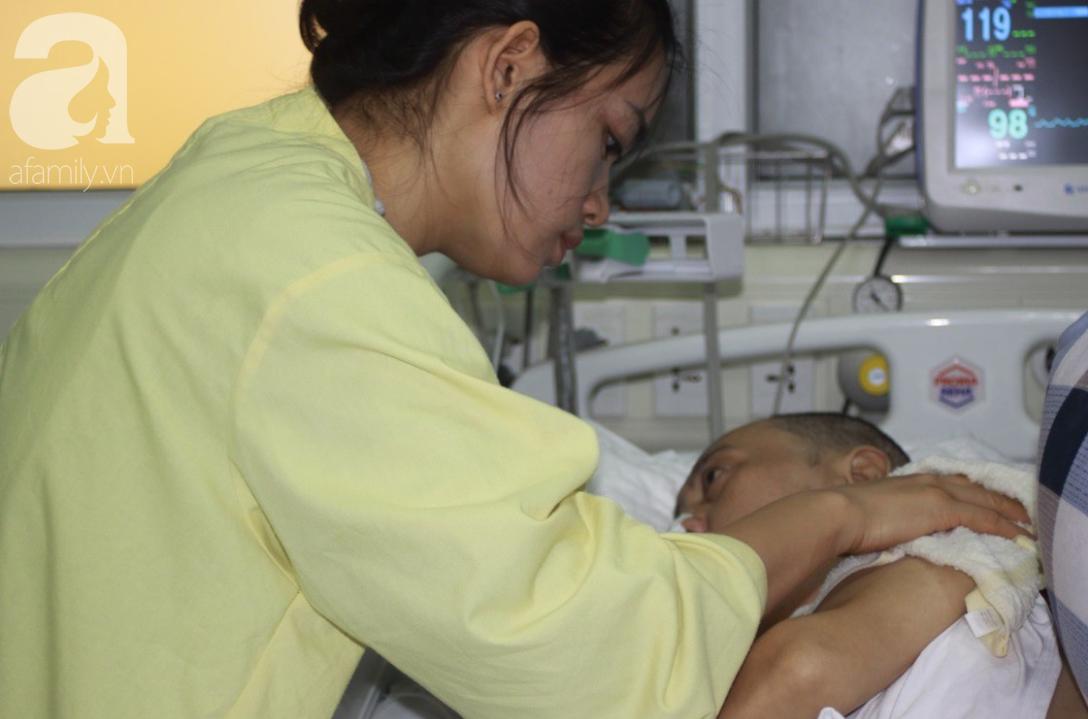 Người chồng trẻ bị xuất huyết não, teo tóp nằm liệt giường, vợ và con trai 9 tuổi cúi đầu xin mọi người giúp đỡ - Ảnh 3.