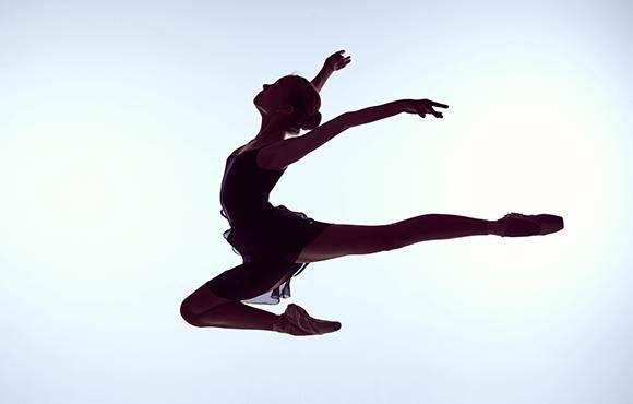 """9 điều đơn giản bạn nên làm mỗi ngày để tự tin """"bay nhảy"""" thỏa thích ở mọi độ tuổi - Ảnh 1."""