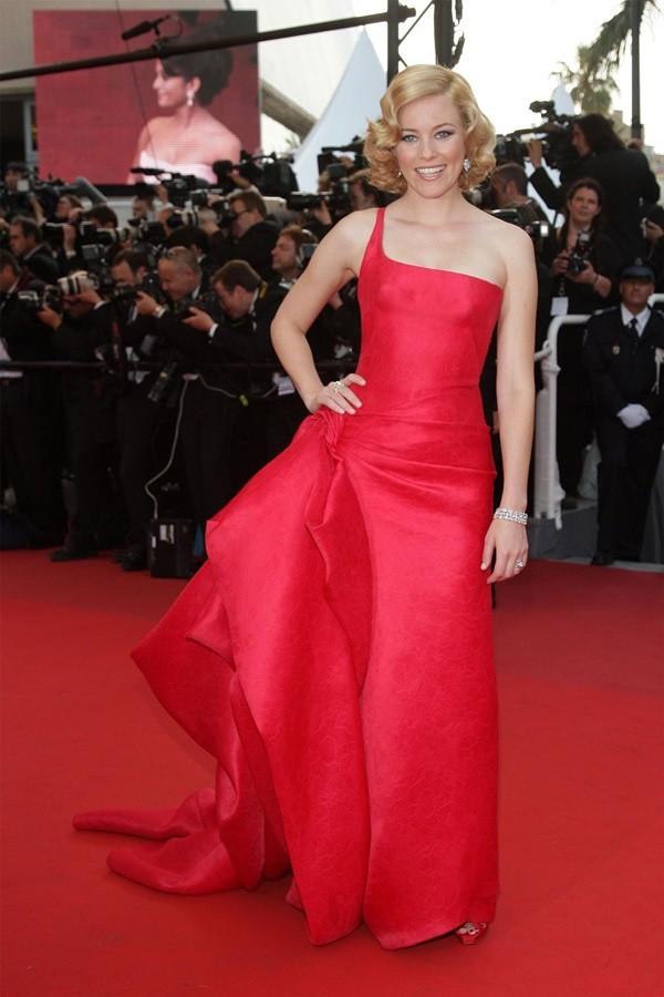Những bộ đầm đỏ đẹp nhất qua các mùa Cannes: Phạm Băng Băng với xưng danh nữ hoàng thảm đỏ nhưng vẫn thua hẳn Lý Nhã Kỳ - Ảnh 1.