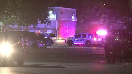 Hét đang có thai, người phụ nữ vẫn bị cảnh sát Mỹ bắn chết - Ảnh 1.