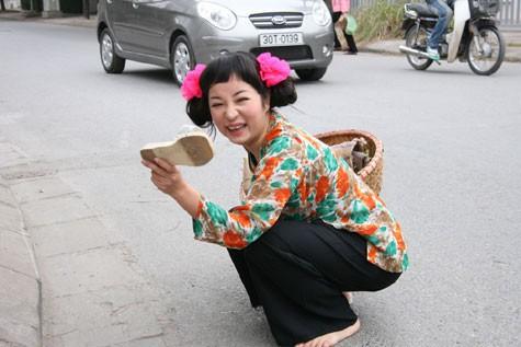 Căn biệt thự độc đáo có 112 ô cửa sổ của bà già bán khoai quê Quảng Trị nổi tiếng Vbiz - Ảnh 1.