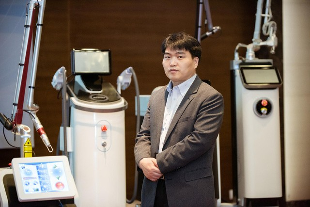 Chuyên gia thẩm mỹ công nghệ cao Hàn Quốc lần đầu chia sẻ phác đồ điều trị nám tại Việt Nam - Ảnh 2.