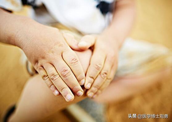 3 dấu hiệu bất thường ở tay chân: 80% khả năng bạn bị tắc mạch máu, nên xử lý ngay - Ảnh 6.