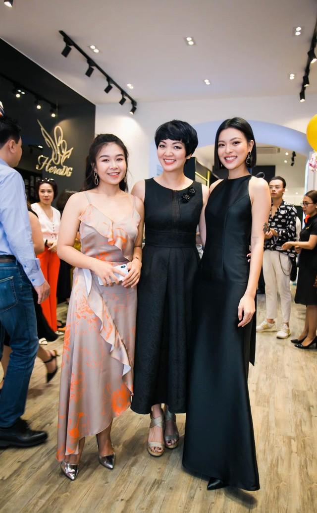 Tú Hảo, Trúc Diễm chiếm trọn spotlight khi diện đầm thiết kế của thương hiệu thời trang HeraDG - Ảnh 6.