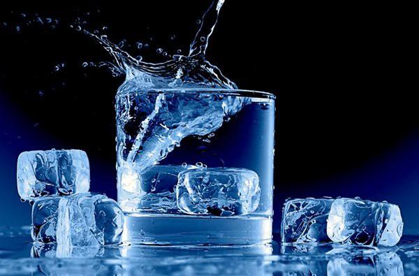 Tránh để cơ thể mất nước vào mùa nắng nóng bằng những tuyệt chiêu ai cũng có thể áp dụng - Ảnh 4.