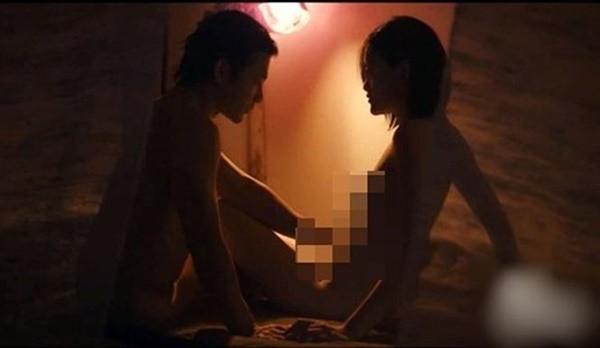 Trước Vợ ba, phim Việt nào từng ồn ào cảnh nóng nhất? - Ảnh 4.