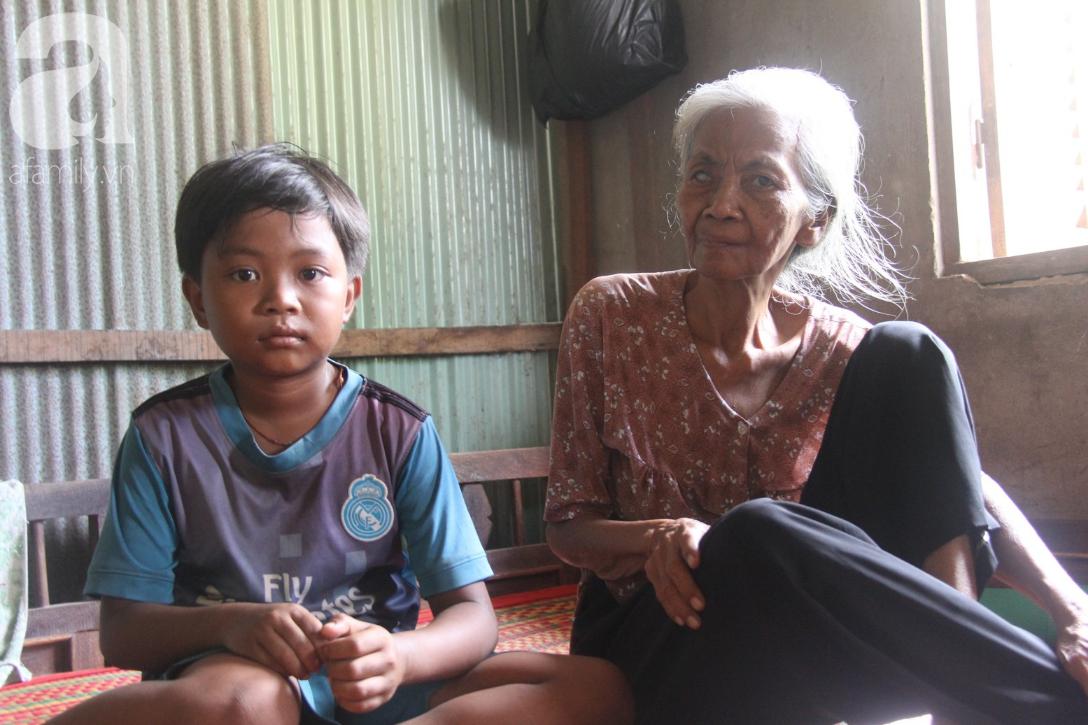 Lời khẩn cầu của người bà 70 tuổi mù một bên mắt, chân bị hoại tử, thối rữa nặng mà không có tiền phẫu thuật - Ảnh 13.