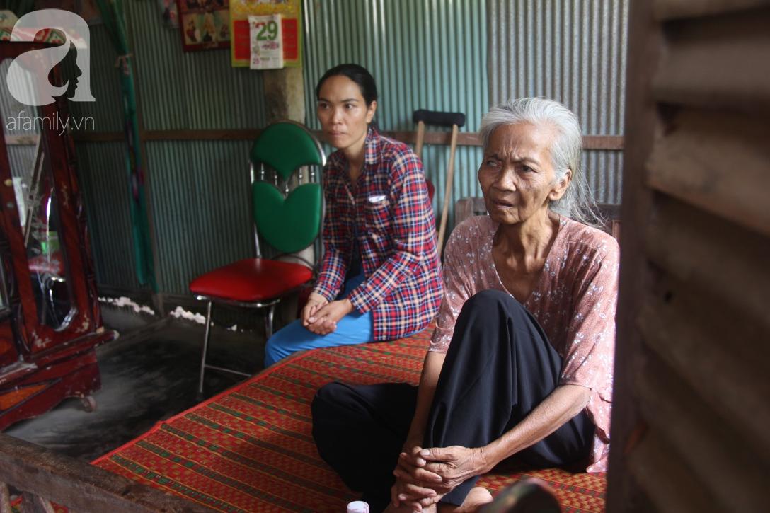 Lời khẩn cầu của người bà 70 tuổi mù một bên mắt, chân bị hoại tử, thối rữa nặng mà không có tiền phẫu thuật - Ảnh 1.