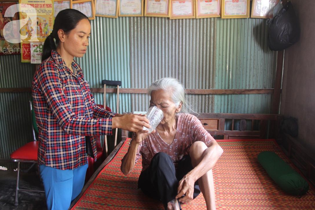 Lời khẩn cầu của người bà 70 tuổi mù một bên mắt, chân bị hoại tử, thối rữa nặng mà không có tiền phẫu thuật - Ảnh 10.