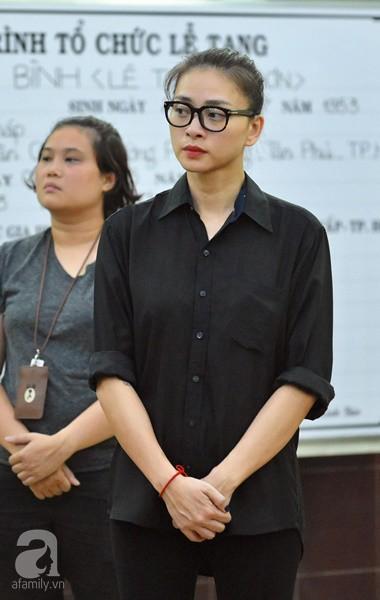 Nhìn nghệ sĩ Lê Bình vẫn đội chiếc mũ quen thuộc lúc nhập quan, nhiều người xúc động rơi nước mắt - Ảnh 33.