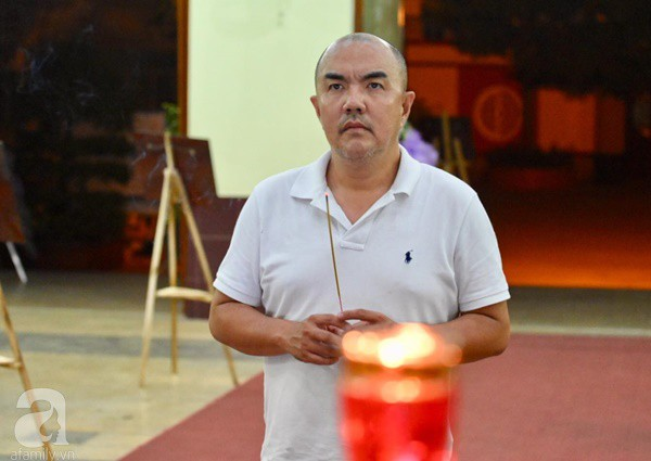 Nhìn nghệ sĩ Lê Bình vẫn đội chiếc mũ quen thuộc lúc nhập quan, nhiều người xúc động rơi nước mắt - Ảnh 36.
